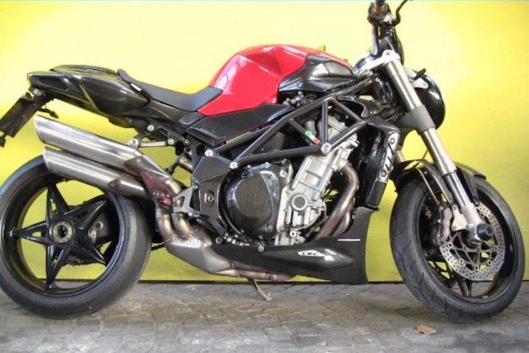 Moto Guzzi V7III-Carbon